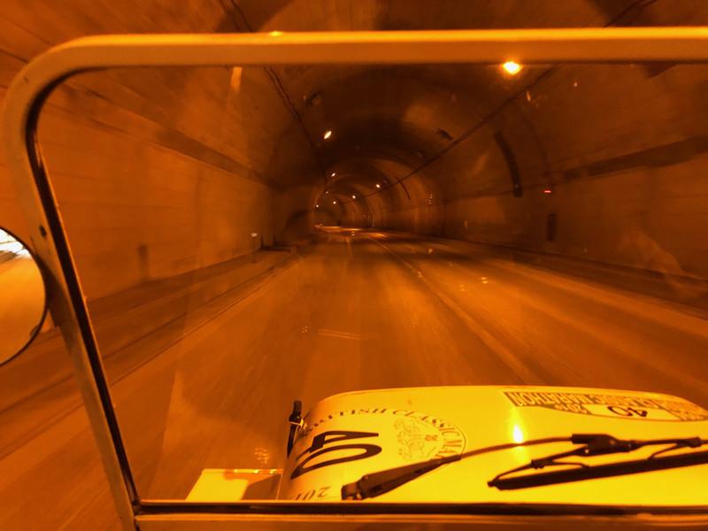 トンネル寒いよ!